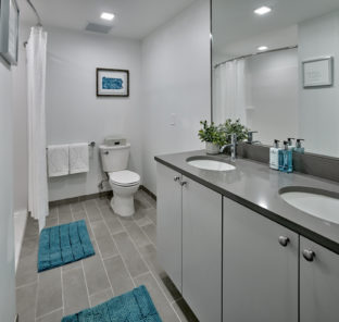 Luxury student apartment bathroom