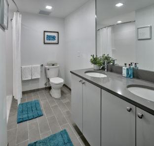 Luxury student apartment bathroom
